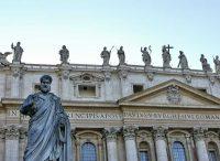 サン・ピエトロ大聖堂と聖ペトロ