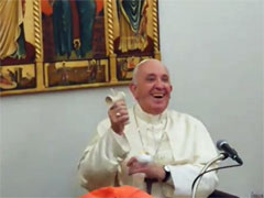 アイキャッチ用 けん玉をするフランシスコ教皇様