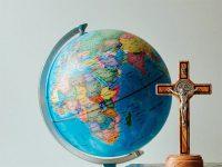 世界と十字架と