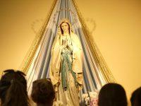 メジュゴリエ大聖堂内の聖母像
