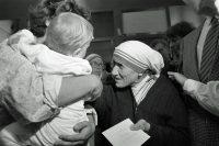 マザー・テレサと子供
